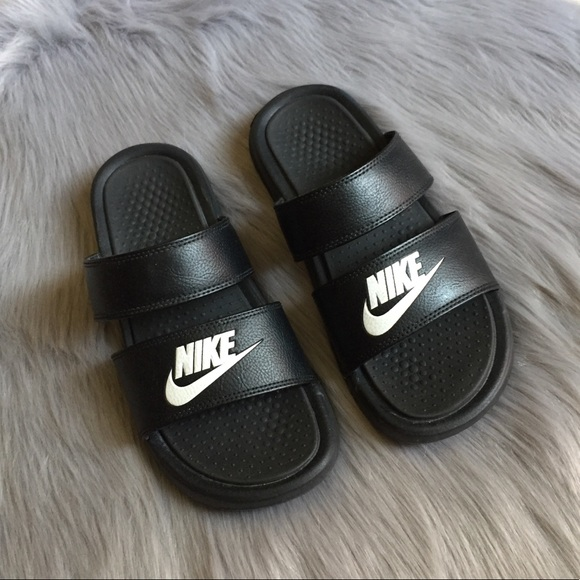 newest collection 93943 1dbcf EUC Nike Benassi Duo Ultra double strap slides